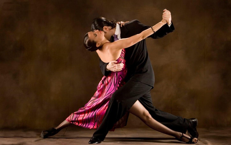 кисы стонут танцы латино видео желании она легко