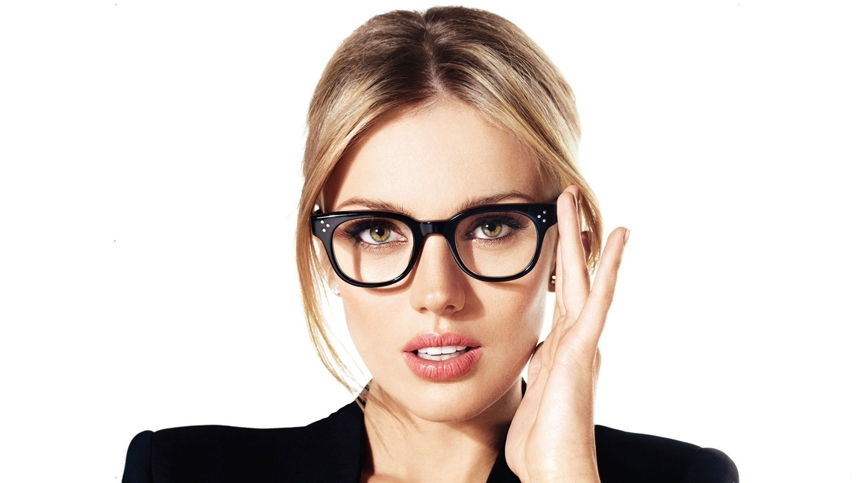 носить очки знакомства