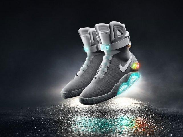 95a14aebc Для молодых модников и модниц – в магазине фирменных «Nike» и «Adidas  Outpac» распродажа с дисконтом до 50 процентов. Невиданный аттракцион  щедрости ...